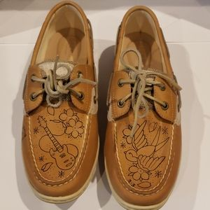 Sperry with prints